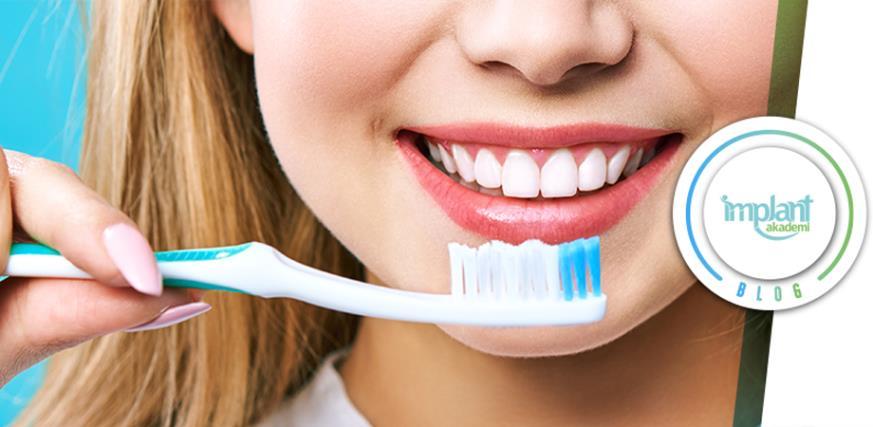 Diş Fırçalama Konusunda Bilmemiz Gerekenler